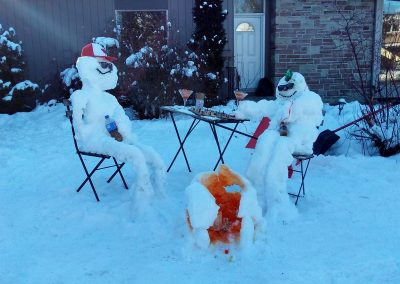 Snowmen playing chess