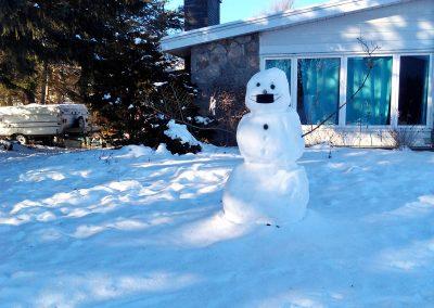 Snowman practicing social distancing